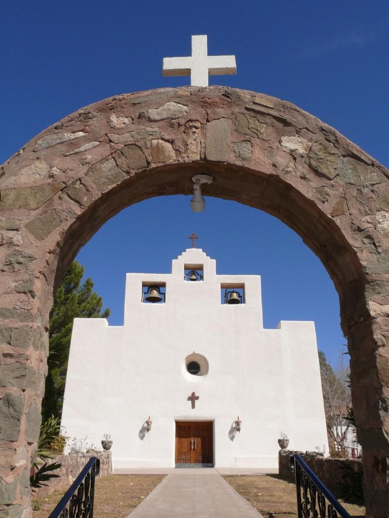 Tularosa_NM_-_Saint_Francis_de_Paula_church_-_2