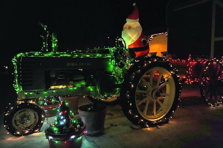 Christmas Sights Around Kerrville…